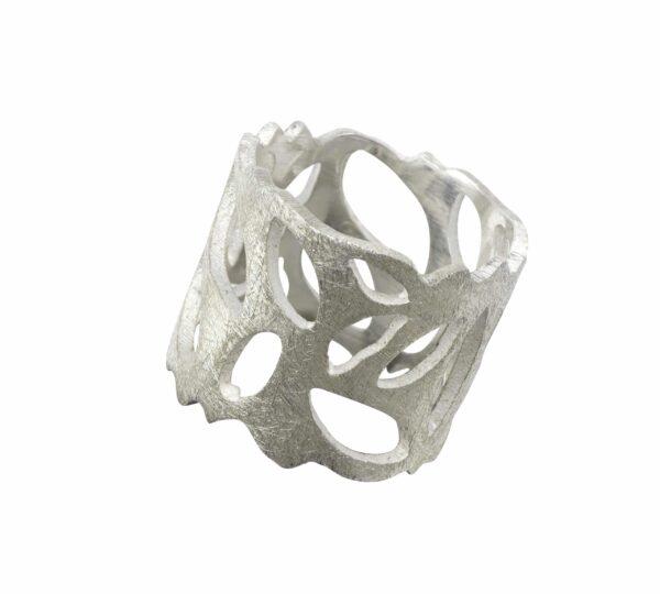Ring mit durchbrochenen Ovalen durchgehend Silber