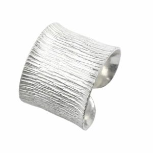 Ring offen Rinde gestrahlt Silber