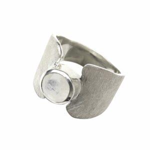 Ring gebürstet mit Mondstein breit mit Verengung