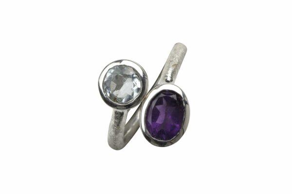 Silberring gebuerstet offen mit 2 Steinen Aquamarin/Amethyst