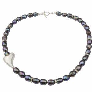 Perlenkette grau, blau, lila mit schrägem Silberherz