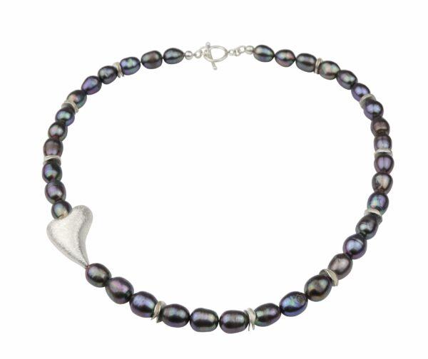 Graublaulilane Perlenkette mit schrägem Silberherz 2x3 cm und Silberverschluss handgemachtes Unikat