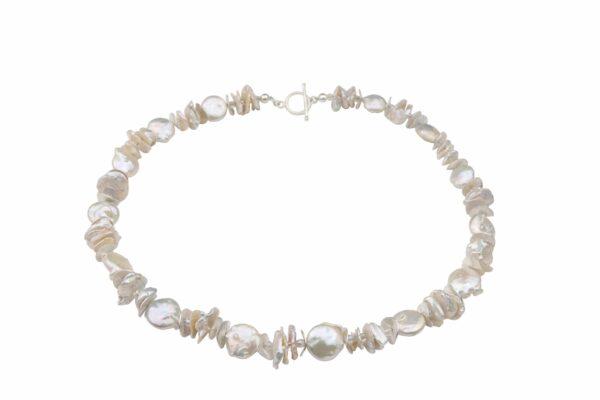 weiße Perlenkette (Nuggets/Plättchen) mit Silberplättchen und Silberverschluss handgemachtes Unikat