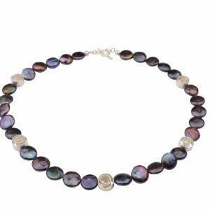 Dunkelgraue lila Perlennuggets mit Silberspiralen