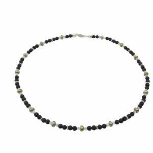 Lavaperlenkette mit Silber und grünen Perlen