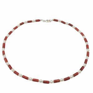 Korallenkette mit Perlen und Silberplättchen