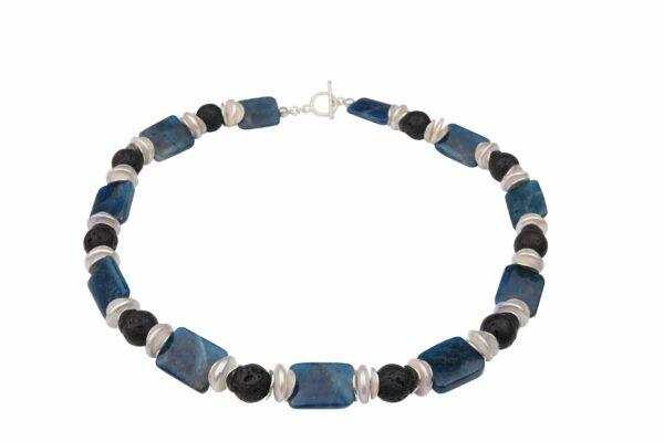 Apatitplatten mit Lavakugeln dazu weiße Perlenlinsen und Silberplättchen Kette handgemachtes Unikat