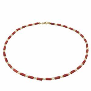 Schmale Korallenkette mit Perlen und vergoldeten Silberplättchen