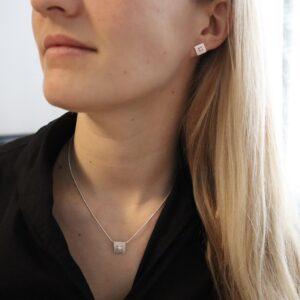 Set Silberkette mit Perlenanhänger und Ohrringen